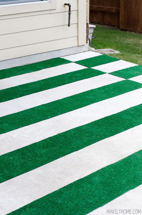 DIY Astroturf Grass Striped Patio Rug  Makely