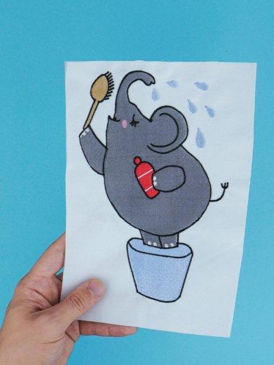 Stickdatei duschender Elefant