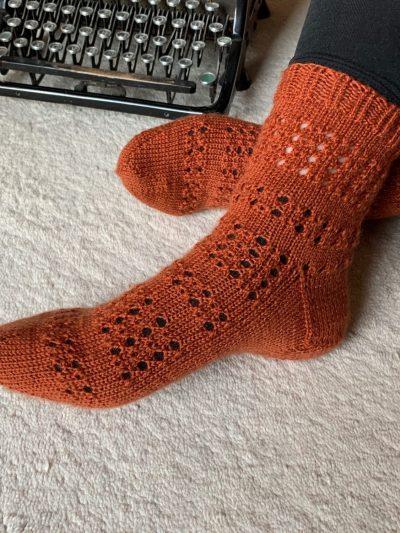 Stickanleitung Socken Maila