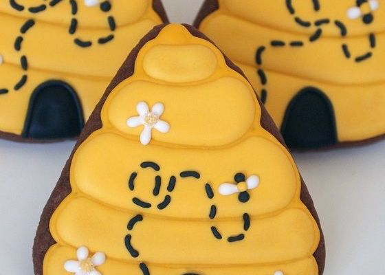 Multi-tasking Your Candy Corn Cutter for Springtime Beehive Cookies