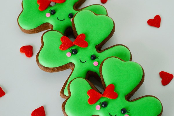 Mr. & Ms. Shamrock Cookies for St. Patrick's Day