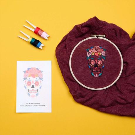 KIT-BRODERIE-DIY-DIA-DE-LOS-MUERTOS-MAKE-ME-STITCH