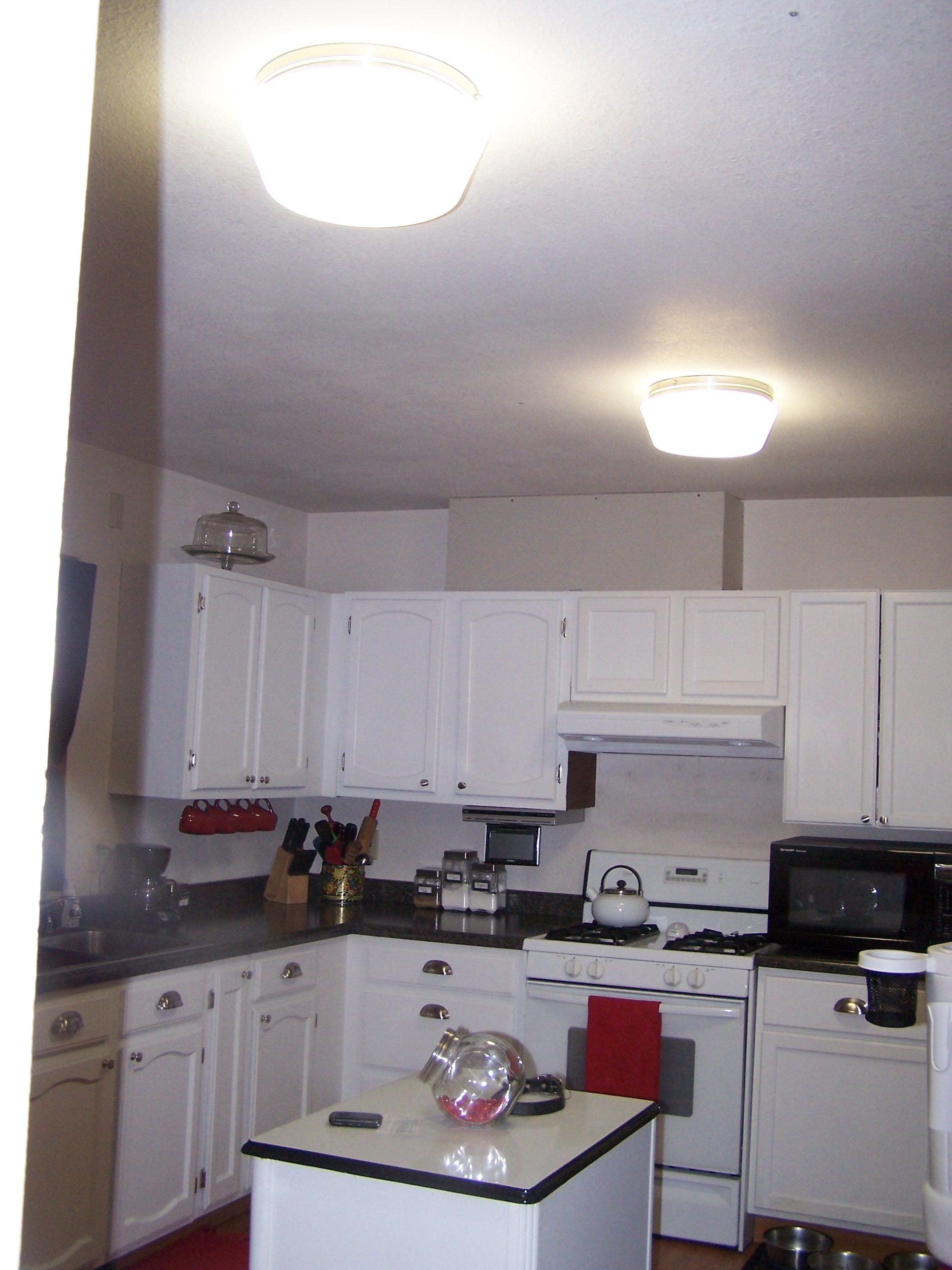 kitchen light 002