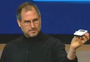 steve_jobs_first_ipod
