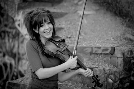 Lindsey-Stirling-violinist