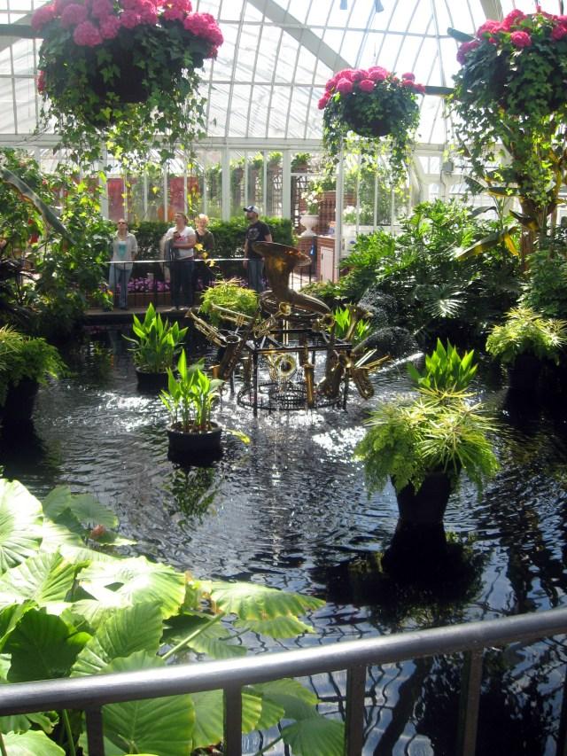 instrument fountain in gardens
