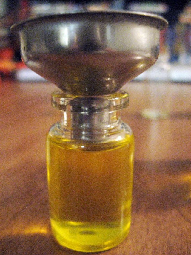 beard oil mini funnel