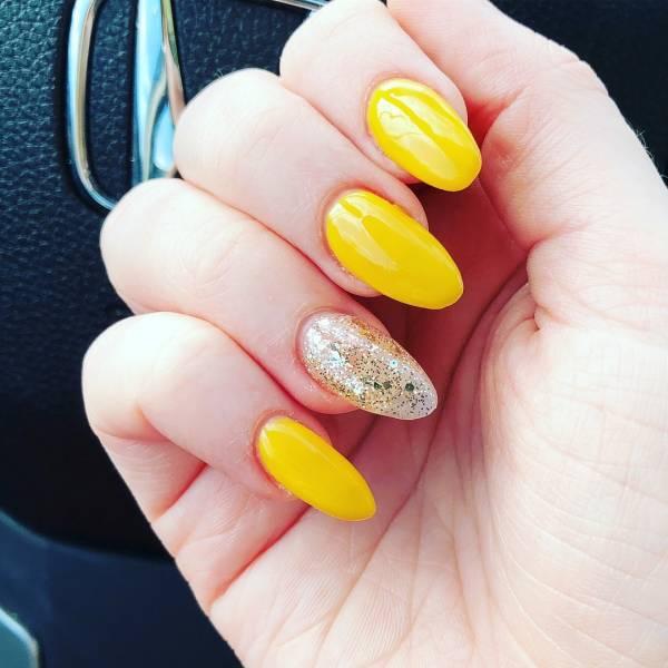 дизайн ногтей желтый цвет 1