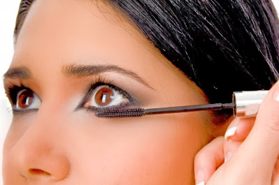 Makeup Tips and Ideas for Christmas