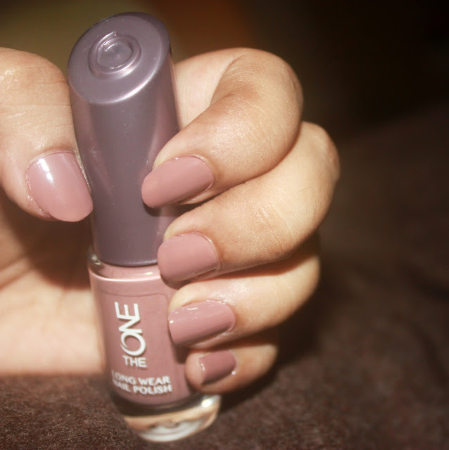 Trendy Dark Nail Polish: ft.Oriflame