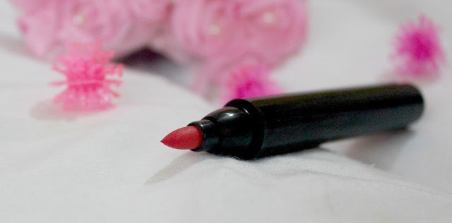 Be A Bombshell Lip Stain In Shade Bash (Coral): Review