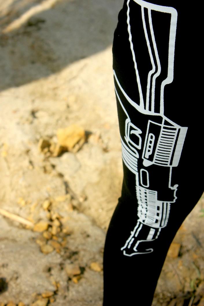 Quirky-Leggings-Magenta-Pop-Ft.-WSDear-OOTD