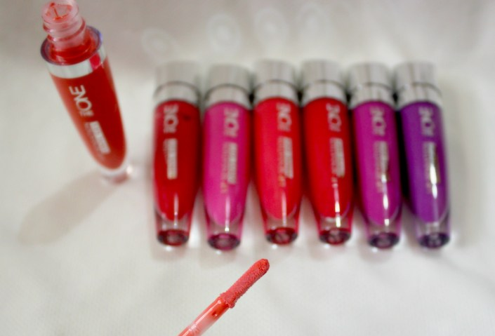 Oriflame The ONE Lip Sensation Vinyl Gel Lipstick Review, Swatches & Price India