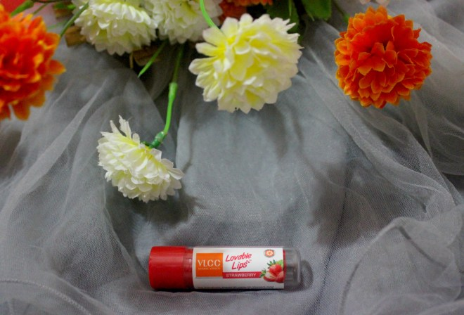 VLCC Lovable Lip Balm Strawberry With SPF 15 Review, Swatch & LOTD