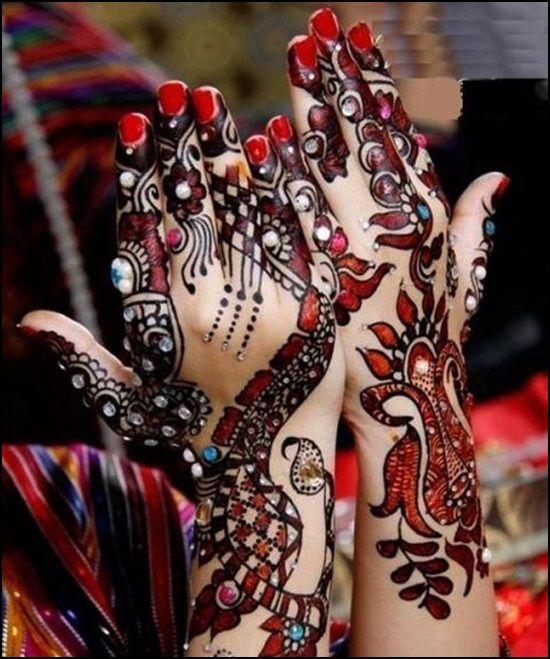 Top 7 Latest Mehendi Designs For Karva Chauth