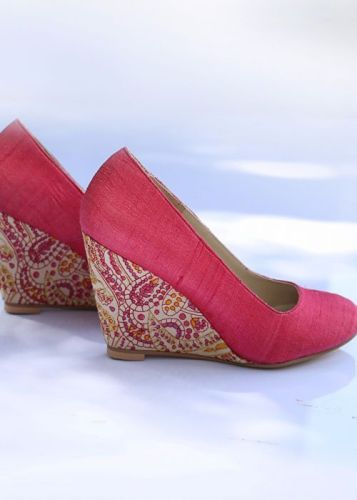 Style Tips 9 Ideas to Look Gorgeous With Anarkali Suits And Right Footwears