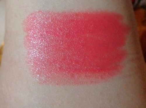 Lotus-Herbals-Pure-Color-Carnation-Lipstick-Swatch-4