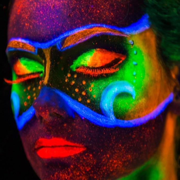 Sydney makeup artist, Sydney facepainter, SFX artist, neon makeup