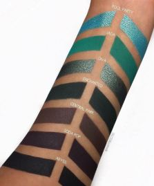 Jaclyn Hill X Morphe Eyeshadow Palette Swatches 3