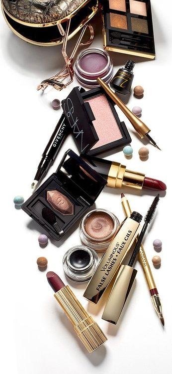 Үйде макияж косметикасының жиынтығы