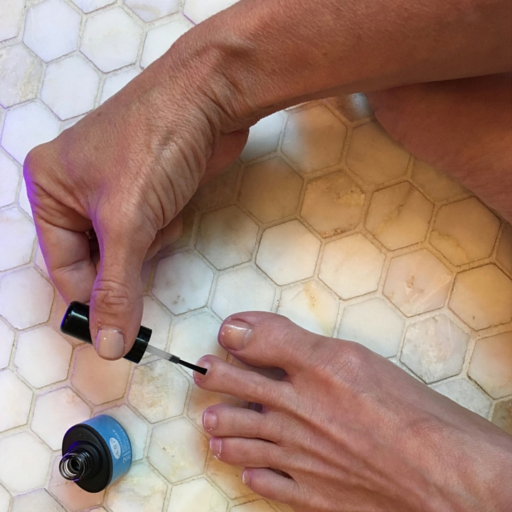 bonder for gel pedicure