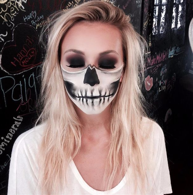 Half Skull Lower Face | Spooky Skeleton Makeup Ideas You Should Wear This Halloween