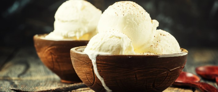 Homemade Vanilla Ice Cream – No Ice Cream Machine Required
