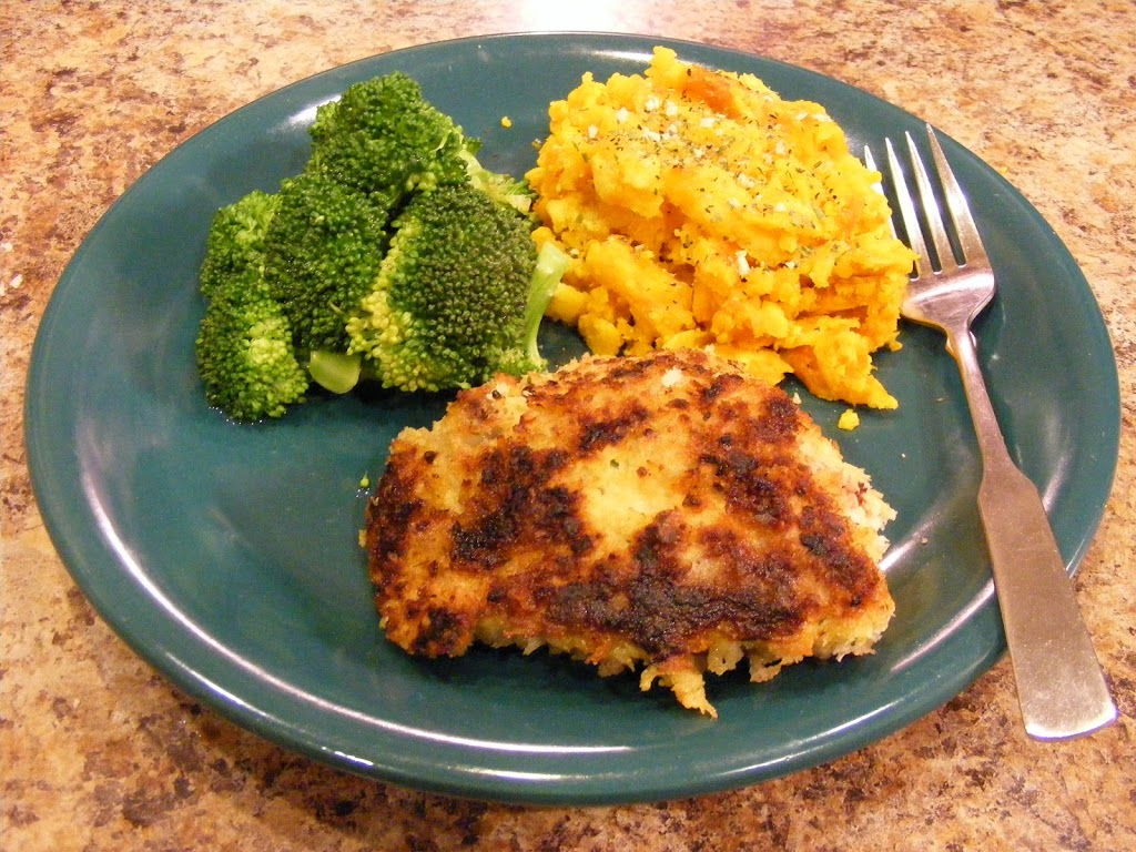Herb Crusted Chicken Thighs with Steamed Broccoli and Acorn Squash