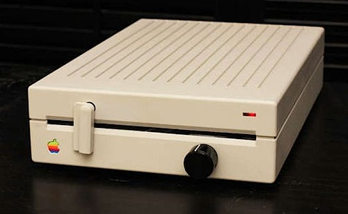 Apple floppy drive amplifier