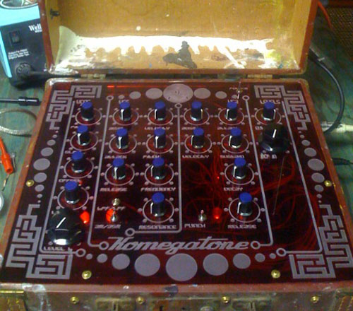 Komegatone synth-in-a-suitcase