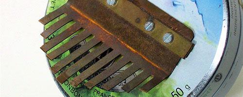 Grounding bar lamellaphone