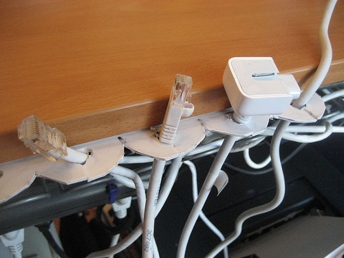 DIY: Simple desktop cord keeper
