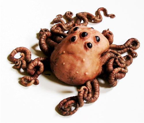Awesomely lifelike  'sand creature'