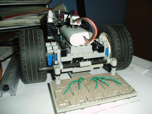 Build a PICAXE robot rover