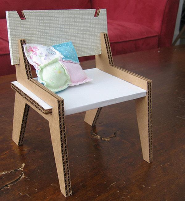 DIY: Green Dollhouse Furniture
