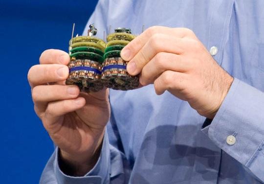 Shape-shifting programmable matter