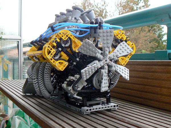 LEGO V8, 32 valve engine