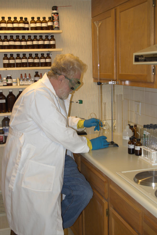 Chemical & Engineering News on home science labs