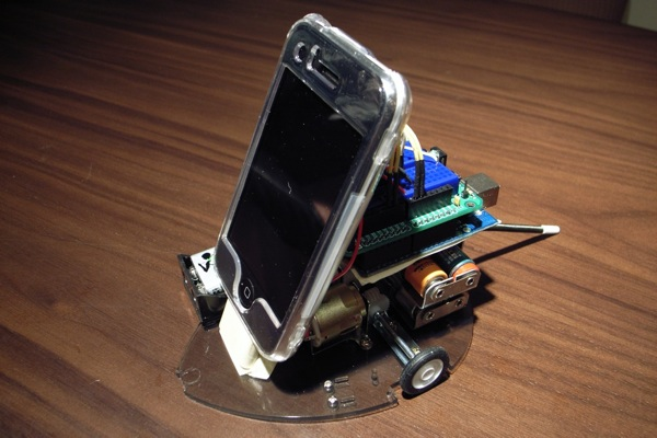 Physical keyboard for iPhone and an iPhone robot – WITH ARDUINO