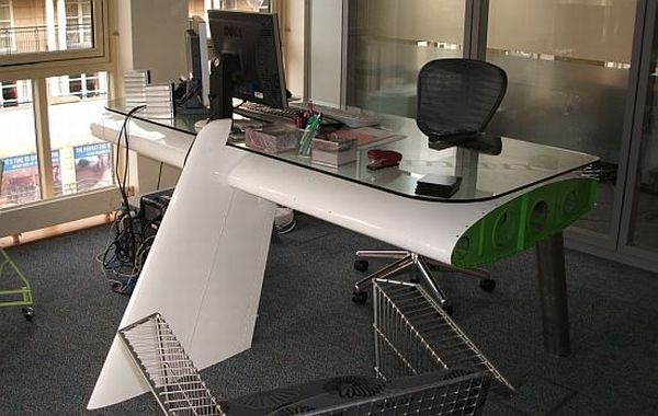 Airplane wing desk