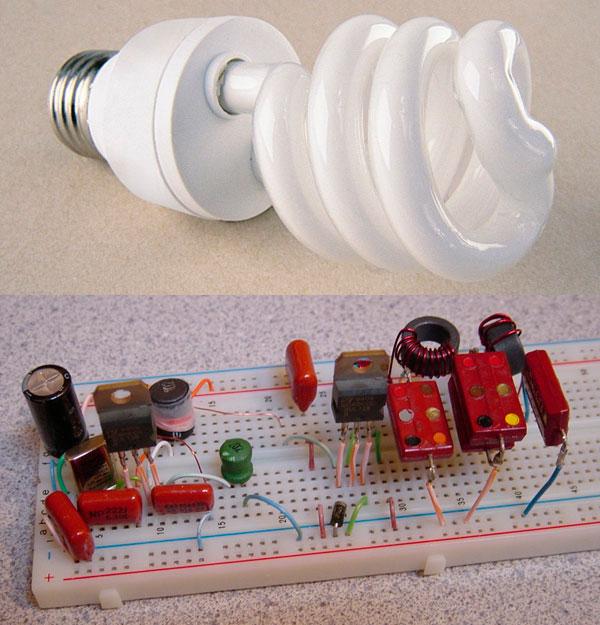Das DereLicht – ham radio transmitter from a CFL bulb