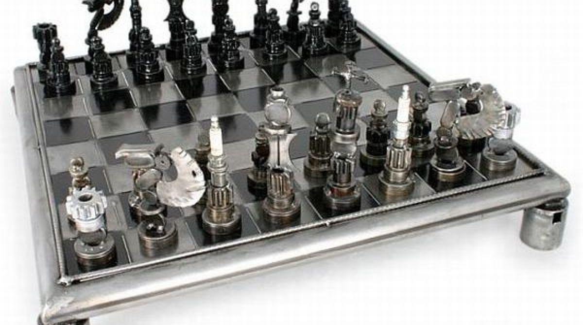 Auto Parts Chess Set Make