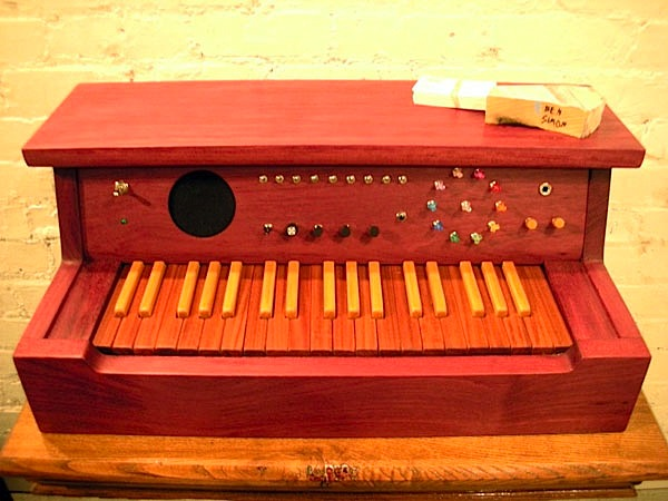 Wooden synth just looks more analog