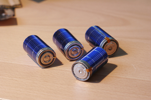 Making solar-powered batteries