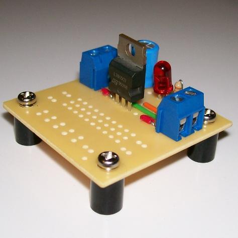 Simple, stand-alone 5-volt regulator