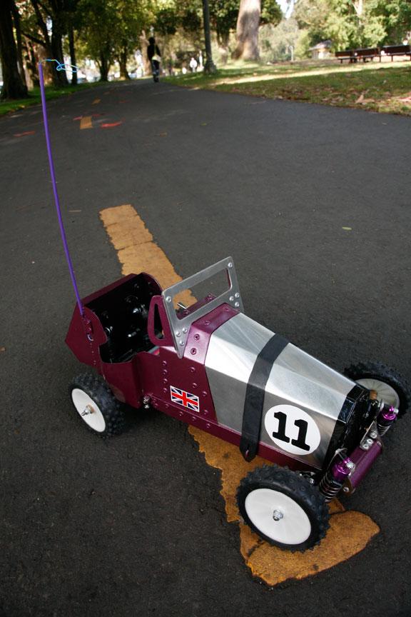 Flashback: Retro R/C Racer