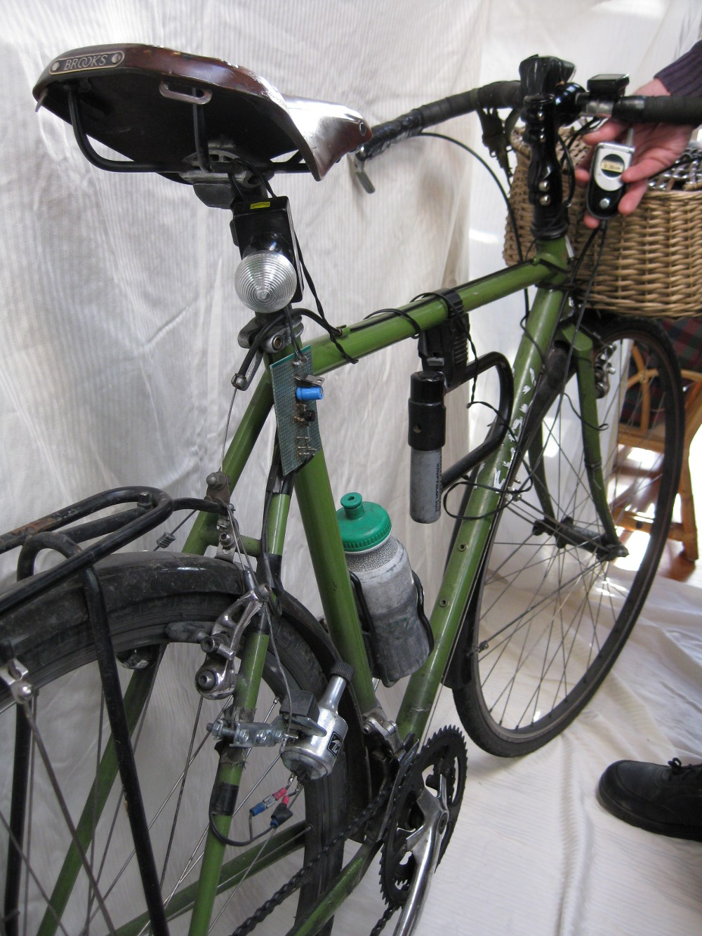 Make: Projects – Pedal-powered phone charger