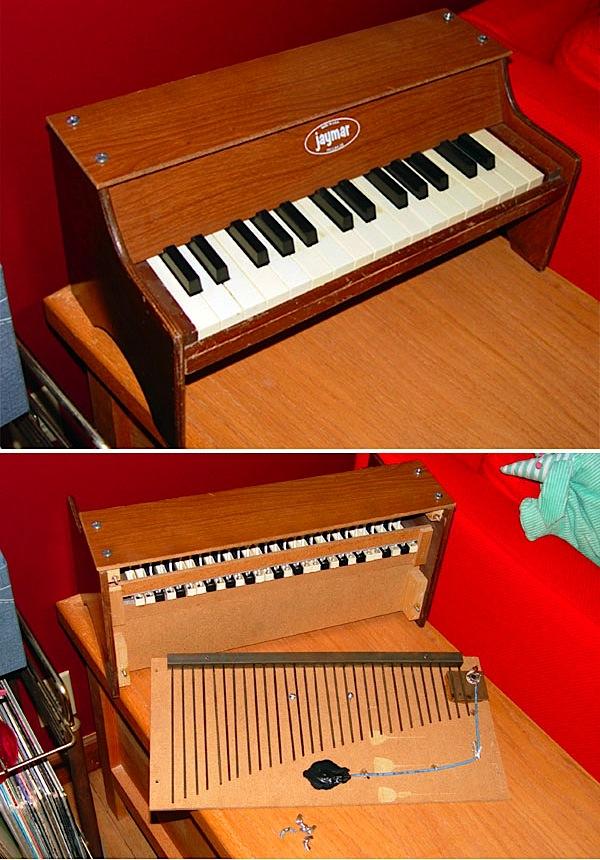 Toy piano modding