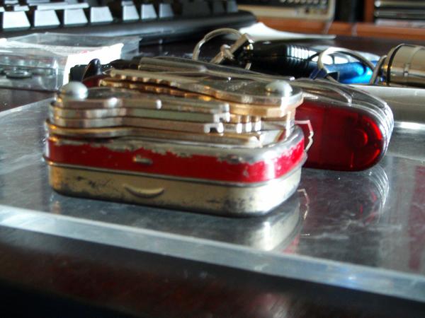 Mint-tin key carrier