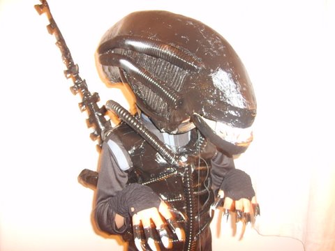 How-To:  Giger Alien costume with motorized extensible tongue